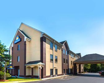 Days Inn by Wyndham Manassas - Manassas - Building