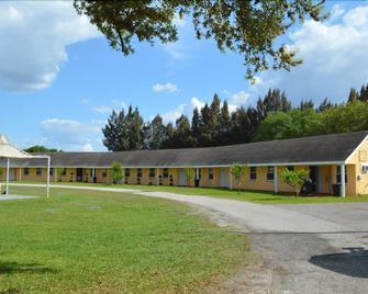 Be Inn Punta Gorda - Punta Gorda - Building