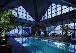 東京柏悅酒店 - 東京 - 游泳池