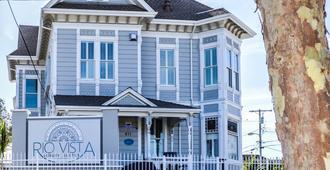 Rio Vista Suites - Santa Cruz - Building