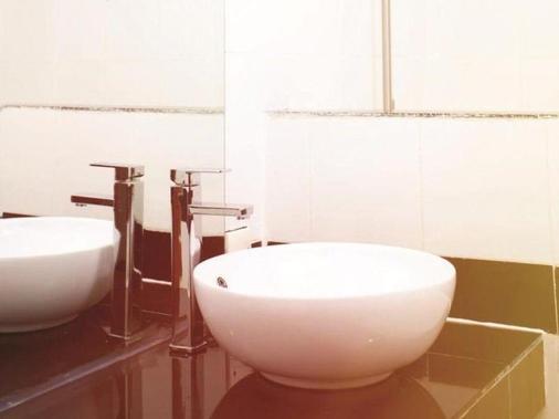 Eureka Villas - Phnom Penh - Bathroom