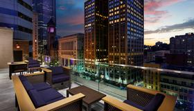 Distrikt Hotel Pittsburgh, Curio Collection by Hilton - Pittsburgh - Balcony