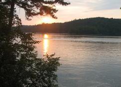 Kiwassa Lake Bed & Breakfast - Саранак-Лейк - Вигляд зовні