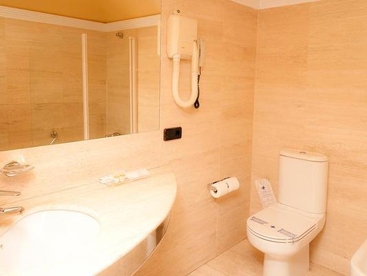 Hotel Sercotel Corona De Castilla - Burgos - Bathroom