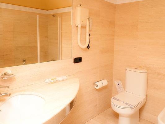 Hotel Sercotel Corona De Castilla - Burgos - Kylpyhuone