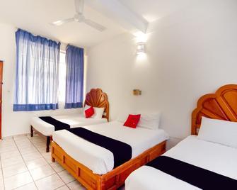 Hotel Adelita - Zihuatanejo - Habitación