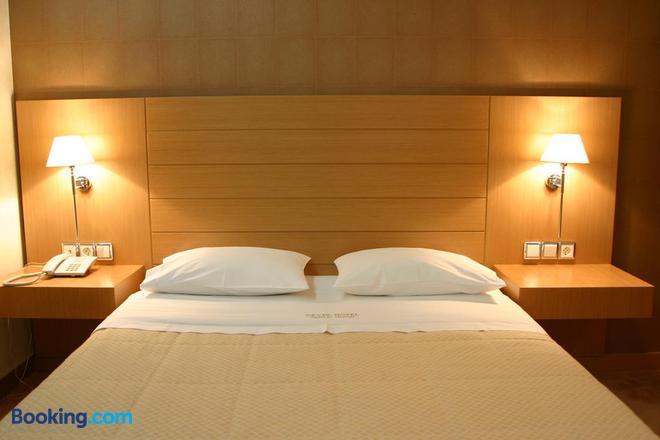 Deves Hotel - Náfplio - Bedroom