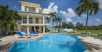 Gran Caribe Villa Los Pinos - La Habana - Piscina