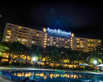 Jpark Island Resort & Waterpark - Lapu-Lapu City - Building