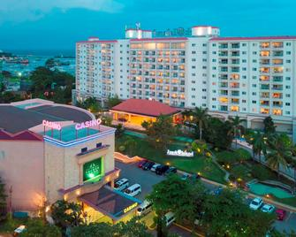 Jpark Island Resort & Waterpark - Lapu-Lapu City - Building