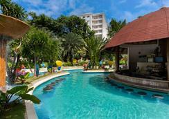 Jpark Island Resort & Waterpark - Lapu-Lapu City - Pool