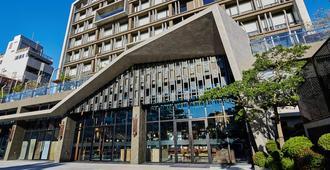 U.I.J Hotel & Hostel - טאינאן
