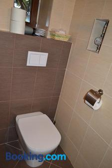 Pensiunea Casa Cranta - Braşov - Bathroom