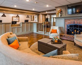 Best Western Plus Country Cupboard Inn - Lewisburg - Lobby