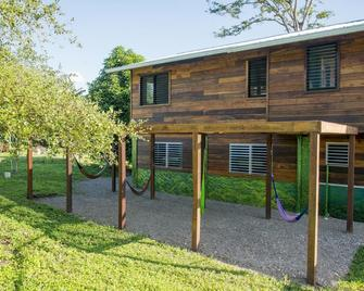 Tree of Life Guest House and Cabanas - Belmopan - Gebouw