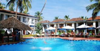 Santana Beach Resort - Candolim - Piscina