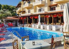 Ξενοδοχείο Βασιλάρας - Skala - Πισίνα