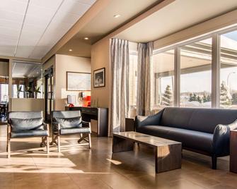Econo Lodge Inn & Suites - Saint-Apollinaire - Lobby