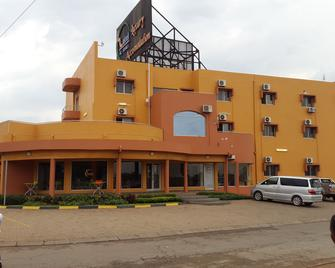 Hotel Al-Khalil - Matola - Building