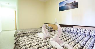 Hostal la Campana - La Línea de la Concepción - Schlafzimmer