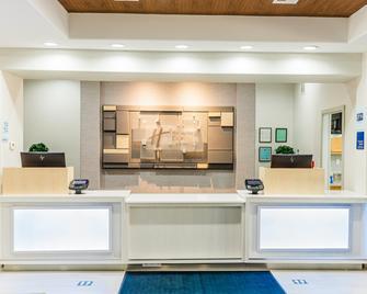 Holiday Inn Express & Suites Greenville - Greenville - Rezeption