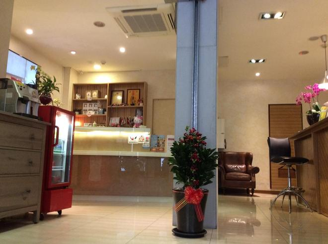 Golden Hotel - Banqiao District - Front desk