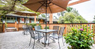 Clarion Collection - Carmel-by-the-Sea - Patio