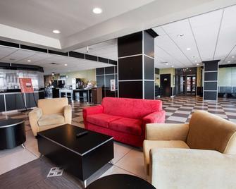 Travelodge by Wyndham Avenel Woodbridge - Avenel - Lobby