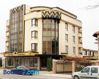 Hotel Forum - Pazardzhik - Building