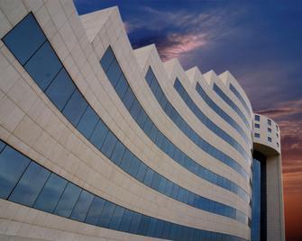 Mövenpick Hotel Qassim - Buraydah - Gebäude