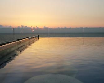 Princessa Hotel - Jounieh - Bể bơi