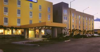 City Express Nuevo Laredo - Nuevo Laredo