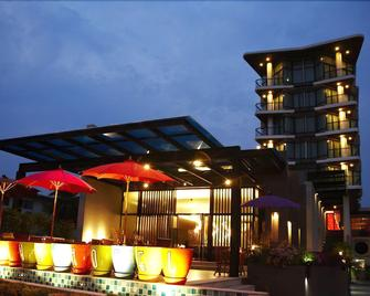 The Sez Hotel - Chonburi - Building