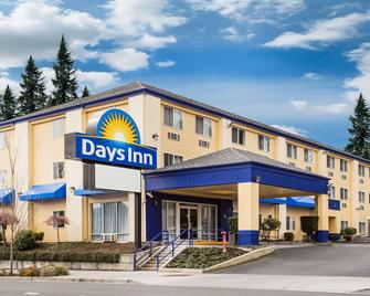 Days Inn by Wyndham Seattle Aurora - Shoreline - Building