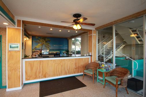 Seaside Inn & Suites - Clearwater Beach - Front desk