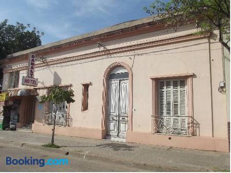 Hotel Danaly - Salto - Building