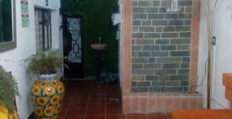 Hostal Doña María - Hostel - Santiago de Querétaro