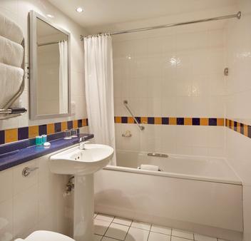 Lancaster Gate Hotel - London - Bathroom