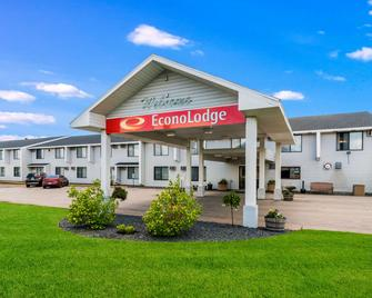 Econo Lodge Duluth near Miller Hill Mall - Duluth - Building