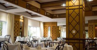 Albany Hotel - דורבן - מסעדה