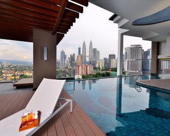 Tamu Hotel & Suites Kuala Lumpur - Kuala Lumpur - Pool