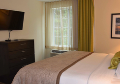 Candlewood Suites Columbus-Northeast - Columbus - Schlafzimmer