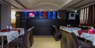 Capital O 13414 Hotel Swaroop inn - Indore