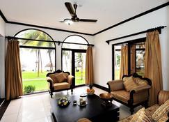 Nyali Sun Africa Beach Hotel & Spa - Mombasa - Living room
