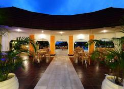 Nyali Sun Africa Beach Hotel & Spa - Mombasa - Building