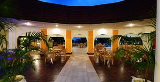 Nyali Sun Africa Beach Hotel & Spa - มอมบาซา
