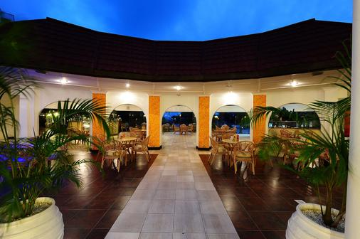 Nyali Sun Africa Beach Hotel & Spa - Mombasa - Κτίριο