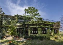 The Riverwood Forest Retreat-Dooars - Chālsa - Building
