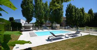 Kyriad Dijon Est - Mirande - Dijon - Bể bơi