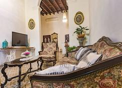 Nomad Deluxe Habana Colonial - Havana - Living room